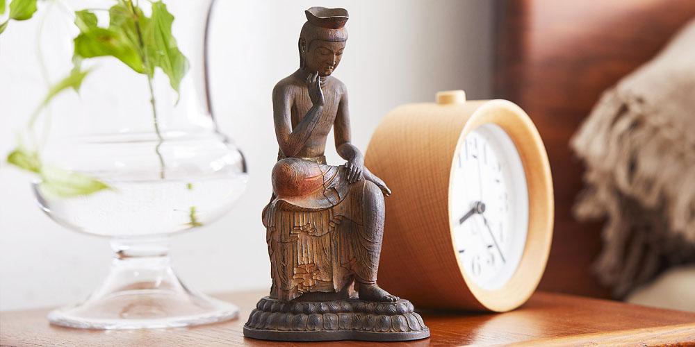 飛鳥時代の傑作を身近に愛でるTanaCOCORO[掌] 弥勒菩薩、こだわりの造型